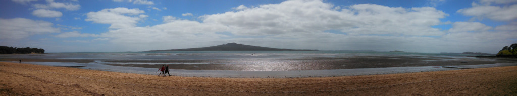 You can see me about 100m out in the ocean, right in line with Rangitoto. Cheltanham Beach is quite shallow in low tide.