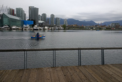 Second day, not so bright and sunny. But this is the most stereotypical Vancouver picture we saw in the weekend.