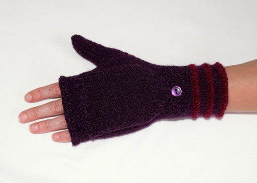 My new convertible mittens, awaiting their first hike.