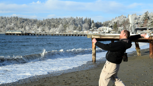 Throwing snowballs into the sea is surprisingly fun.